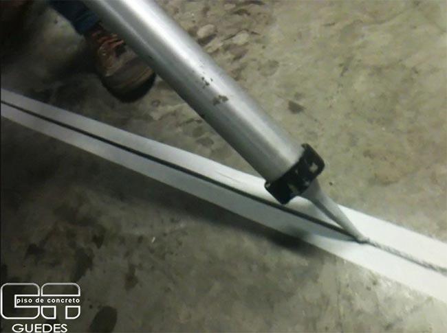 Junta de dilatação piso industrial