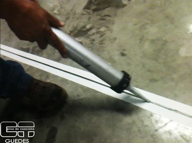 Juntas de dilatação em pisos de concreto armado