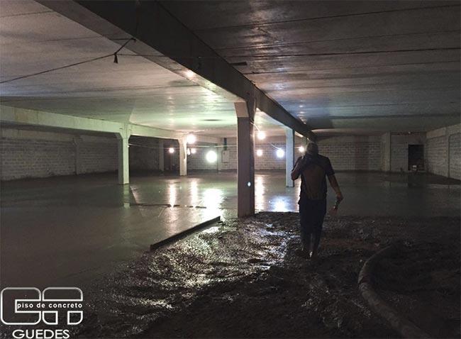 Piso de concreto para estacionamento