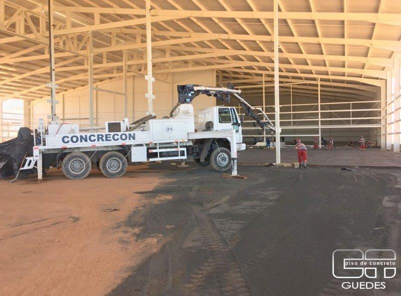 Piso de concreto polido preço