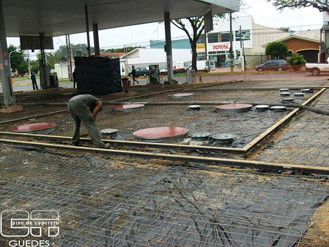 Piso de concreto para posto de gasolina