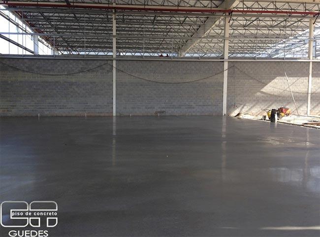 Piso industrial de concreto polido