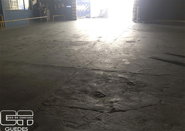 Recuperação de piso industrial